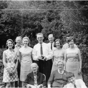 Joan, Bill Parfitt, Pat Darlington, Cousing Bob, Stuart Darlington, Pat Parfitt, Trevor Parfitt, Doreen Parfitt, Emily and Mary